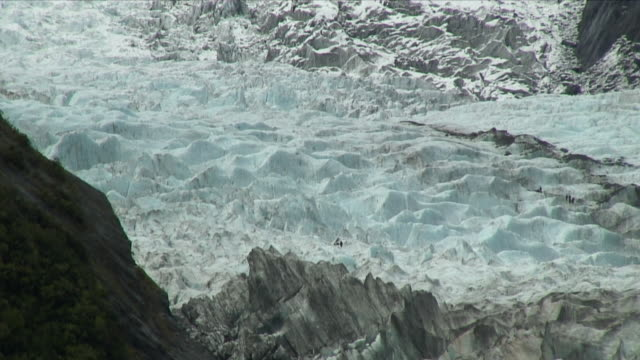 WS HA Massive ice crust of glacier / Franz Josef Glacier, New Zealand