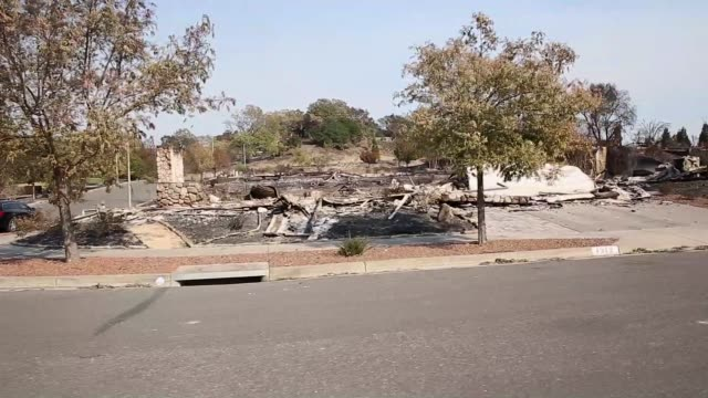 massive outofcontrols wildfires have claimed at least 31 people and detroyed 3500 homes in northern california as the deadliest in state history... - fire department of the city of new york stock-videos und b-roll-filmmaterial