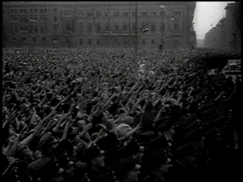 massive screaming crowd / sudetenland, czechoslovakia - tschechische republik stock-videos und b-roll-filmmaterial