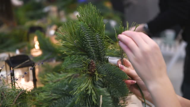 Master-class on making Christmas wreaths and Christmas