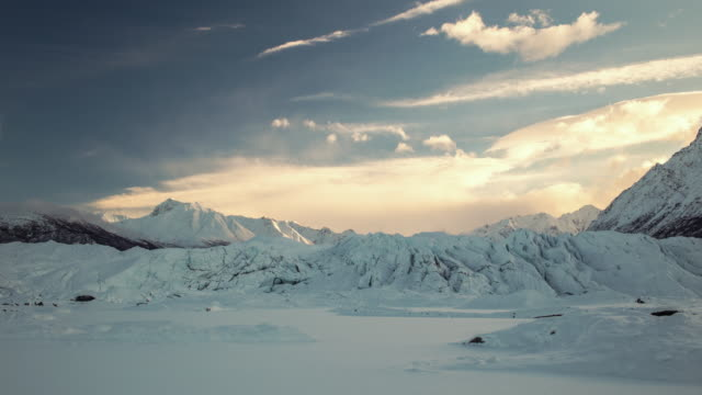 matanusca glacier in alaska time lapse. - lockdown stock-videos und b-roll-filmmaterial