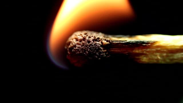 vídeos y material grabado en eventos de stock de quemaduras de fósforo de cerca - potasio