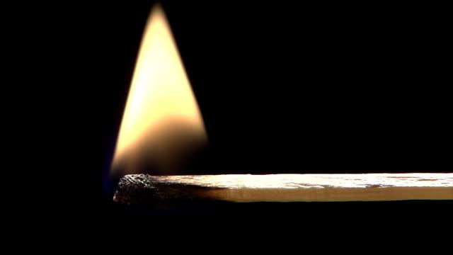 点火する - マッチ箱点の映像素材/bロール
