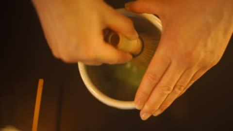 matcha tea traditional preparation - japan - 傳統 個影片檔及 b 捲影像