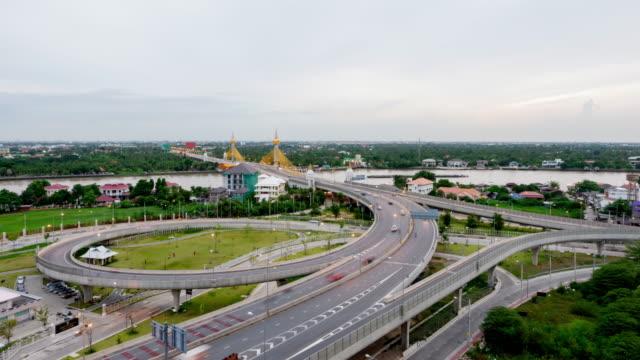 Passenden Tag & Nacht: 4 Timelapse Tag und Nacht (4096 x 2160): Zeitraffer der Autobahnverkehr Innenstadt in Bangkok Thailand