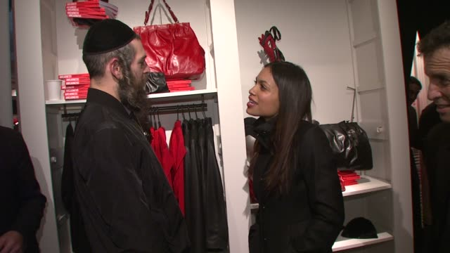matisyahu and rosario dawson at the kenneth cole hosts book launch for 'awearness inspiring stories about how to make a difference' at new york city... - dawson city点の映像素材/bロール