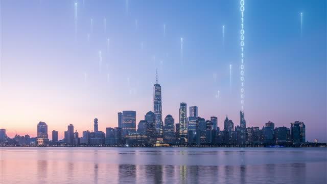 vídeos y material grabado en eventos de stock de matriz sobre la ciudad inteligente - computación en nube
