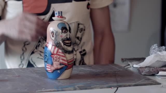 stockvideo's en b-roll-footage met cu matryoshka doll / nerima, tokyo, japan - vijf dingen