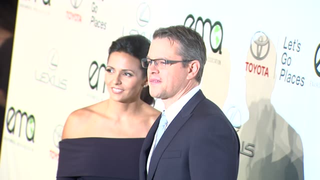 matt damon at the 2013 environmental media awards presented by toyota lexus at warner bros studios in burbank ca on 10/19/13 in burbank ca - environmental media awards点の映像素材/bロール