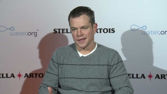 interview matt damon on his work with waterorg and partnership with stella artois at stella artois presents buy a lady a drink on january 23 2016 in... - matt damon stock videos and b-roll footage