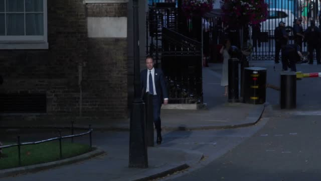 stockvideo's en b-roll-footage met matt hancock arrives at downing street as new prime minister boris johnson put together his cabinet - prime minister