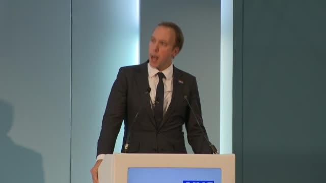 vídeos de stock e filmes b-roll de matt hancock speech at nhs expo 2018; england: manchester: int matt hancock mp speech sot - cargo governamental