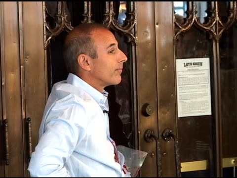 matt lauer pauses for a moment while taping a segment for the 'late show with david letterman' in new york 07/19/11 - matt lauer stock videos & royalty-free footage