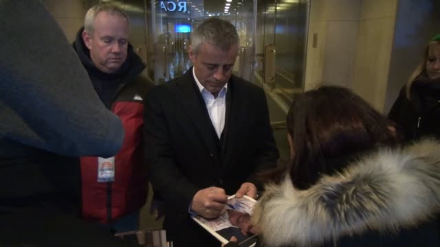 Matt LeBlanc leaves the TODAY show signs and poses for photos with fans in New York City in Celebrity Sightings in New York