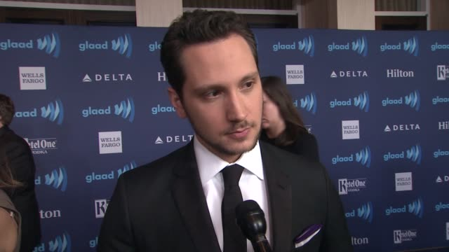 vídeos de stock e filmes b-roll de interview matt mcgorry on being nominated on the glaad event and on the homophobic storyline on 'empire' at the 26th annual glaad media awards at the... - the beverly hilton hotel