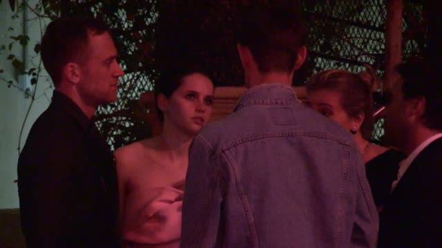 matt smith & felicity jones depart the netflix after party at sunset tower in los angeles - celebrity sightings in los angeles, ca on - smith tower stock videos & royalty-free footage