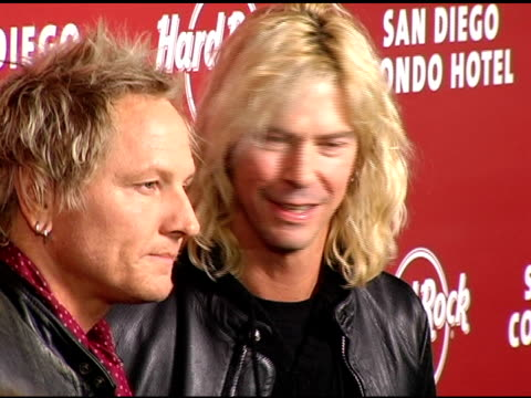 vidéos et rushes de matt sorum and duff mckagan of velvet revolver at the exclusive launch party for the hard rock hotel san diego at the hard rock hotel in san diego,... - exclusivité
