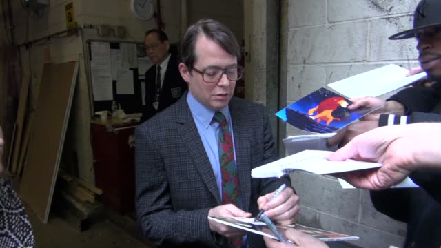 vidéos et rushes de matthew broderick at the 'live! with kelly' studio in new york, ny, on 4/26/2012 - matthew broderick