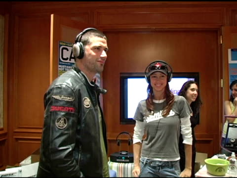 stockvideo's en b-roll-footage met matthew fox and shannon elizabeth at the 2nd annual lucky/cargo club celebration of upfront week on may 18 2005 - shannon elizabeth