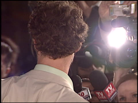 vidéos et rushes de matthew mcconaughey at the 'sahara' premiere at grauman's chinese theatre in hollywood, california on april 4, 2005. - première