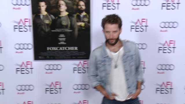 matthu placek at afi fest 2014 presented by audi closing night gala premiere of foxcatcher at dolby theatre on november 13 2014 in hollywood... - ドルビー・シアター点の映像素材/bロール