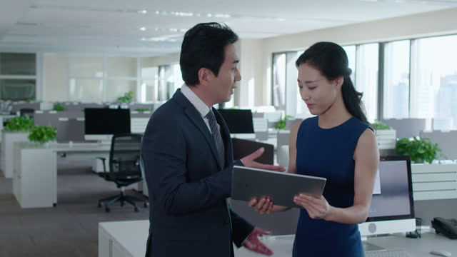 mature chinese businessman scolding businesswoman,4k - office politics stock videos & royalty-free footage