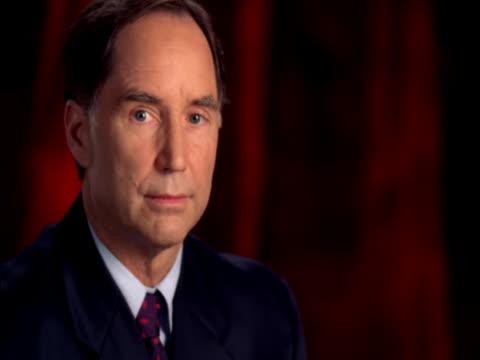 vídeos y material grabado en eventos de stock de mature man turning and posing - traje corbata