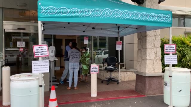 maui memorial hospital has only 9 negative pressure rooms and a small number of respirators available for the 150,000 residents and several hundred... - number 9 stock-videos und b-roll-filmmaterial