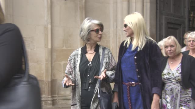 maureen lipman, anneka rice leaving at a service of thanksgiving for the life and work of sir terry wogan at westminster abbey on september 27, 2016... - テリー ウォーガン点の映像素材/bロール