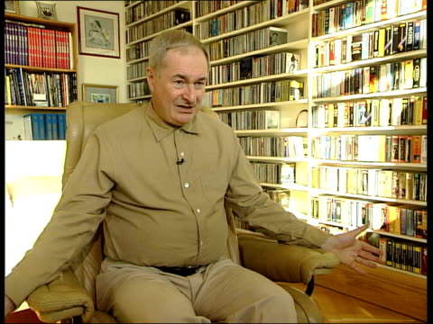 tributes; itn england: int paul gambaccini interview sot - it's the vocal harmonies which distinguish bee gees records/ they had sound which could... - the bee gees bildbanksvideor och videomaterial från bakom kulisserna