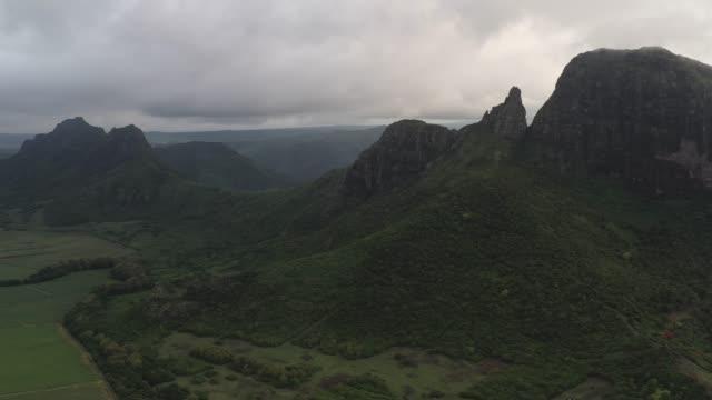 Mauritius schöne Berggipfel in der wilden Natur-Umwelt
