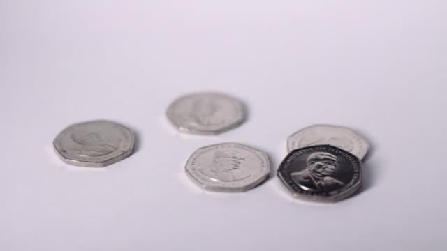 mauritius five rupee coins - fünf gegenstände stock-videos und b-roll-filmmaterial