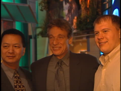 maury povich at the natpe 2000 at new orleans in new orleans, - natpe versammlung stock-videos und b-roll-filmmaterial