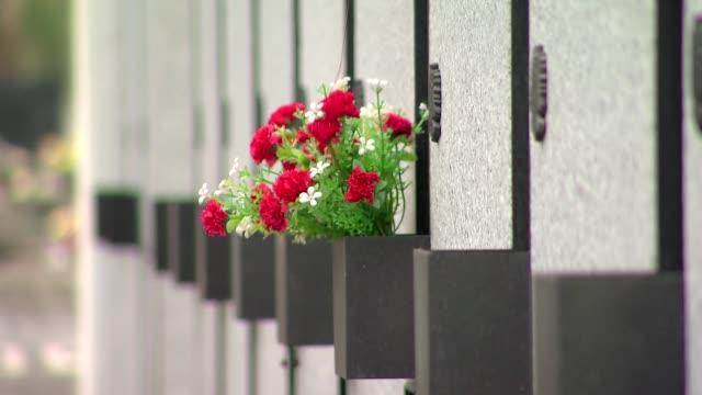 vídeos y material grabado en eventos de stock de mausoleum of cursed soldiers on powazki military cemetery - cementerio