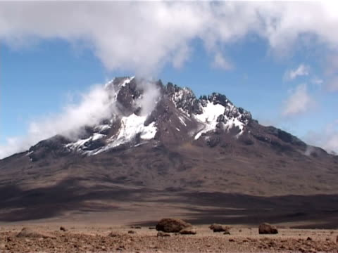 mawenzi scenic. mt kilimanjaro, kenya - mt kilimanjaro stock videos & royalty-free footage