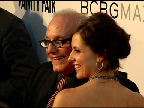 stockvideo's en b-roll-footage met max azria and sarah michelle gellar at the opening of the new bcbg max azria flagship store hosted by max and lubov azria sarah michelle gellar and... - bcbg max azria