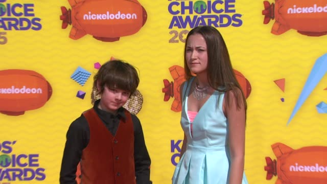 stockvideo's en b-roll-footage met max charles and angelina wahler at nickelodeon's 28th annual kids' choice awards at the forum on march 28 2015 in inglewood california - nickelodeon