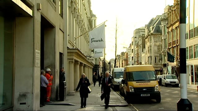 stockvideo's en b-roll-footage met day 2 bond street fenwicks store and former offices of publicist max clifford - publiciteitsmedewerker