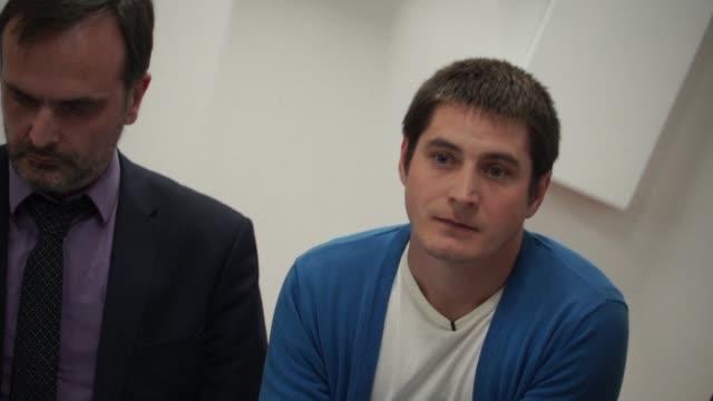 maxim lapunov denunco el lunes publicamente la detencion y tortura que sufrio en marzo a manos de la policía rusa en la region de chechenia... - vox populi stock videos & royalty-free footage