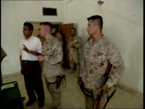 may 15 1999 ms us army soldier conducting security training session for iraqi police cadets / nasiriyah iraq - nasiriyah stock-videos und b-roll-filmmaterial