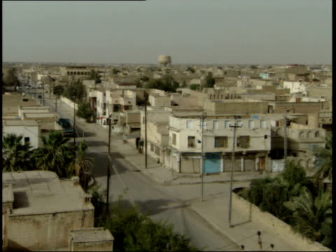 may 15 1999 zi water tower in city / nasiriyah iraq - nasiriyah stock-videos und b-roll-filmmaterial