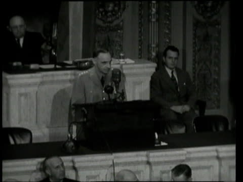 vidéos et rushes de may 17 1949 ms lucius clay standing at podium addressing congress / washington dc united states - 1949