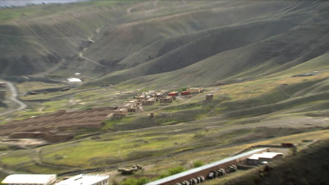 May 18 2009 LS WS ZO HA Houses between mountains / Panjshir Valley Afghanistan / AUDIO