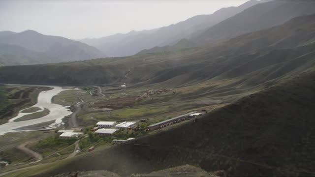 May 18 2009 LS WS ZI HA Houses between mountains / Panjshir Valley Afghanistan / AUDIO