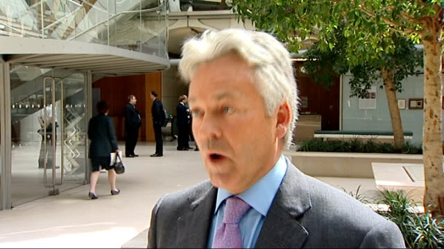 may 2009 alan duncan interview sot - alan duncan stock-videos und b-roll-filmmaterial