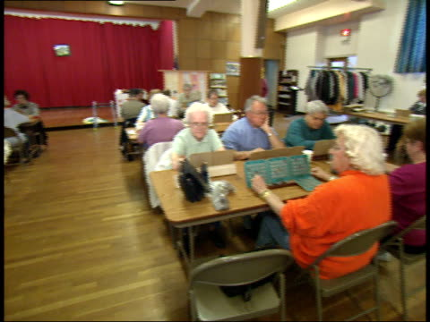 stockvideo's en b-roll-footage met may 6 2003 ha players marking bingo cards / massachusetts united states - bingo