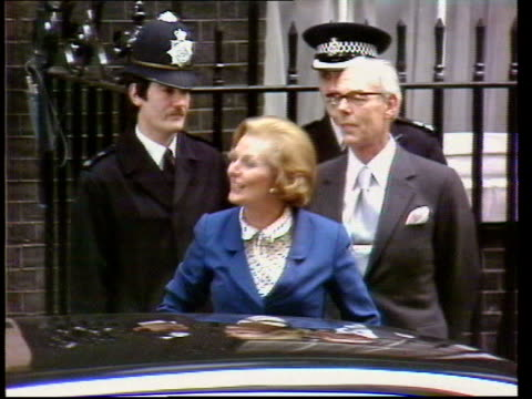 may in 1979 the tories won the general election london downing street ext margaret thatcher mp waving to supporters outside number 10 on arrival to... - margaret thatcher stock videos & royalty-free footage