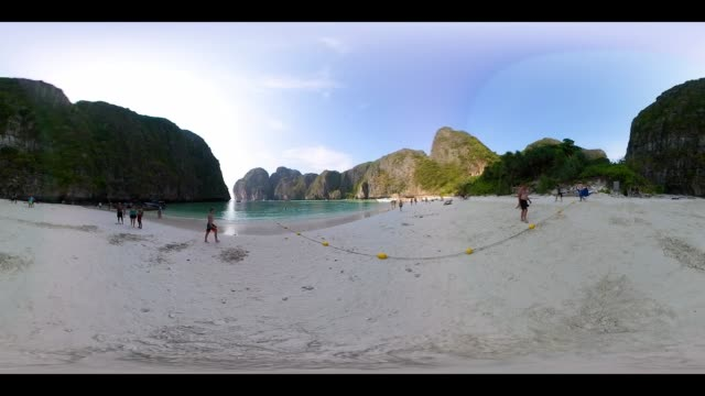 360VR 4K Maya bay at Phi phi islands