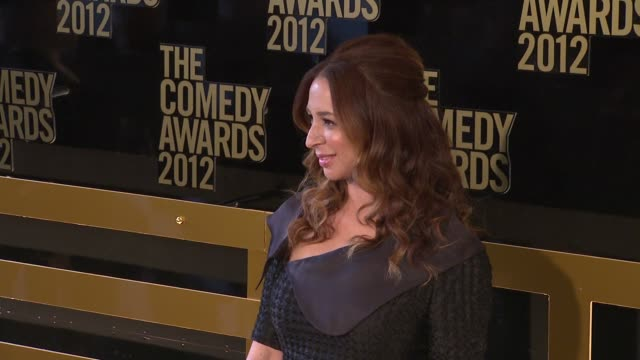 maya rudolph at the comedy awards 2012 - arrivals on 4/28/2012 in new york, ny, united states. - maya rudolph video stock e b–roll