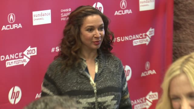 maya rudolph at 'the way way back premiere park city ut 01/20/13 maya rudolph at 'the way way back premiere park at eccles center theatre on january... - maya rudolph video stock e b–roll
